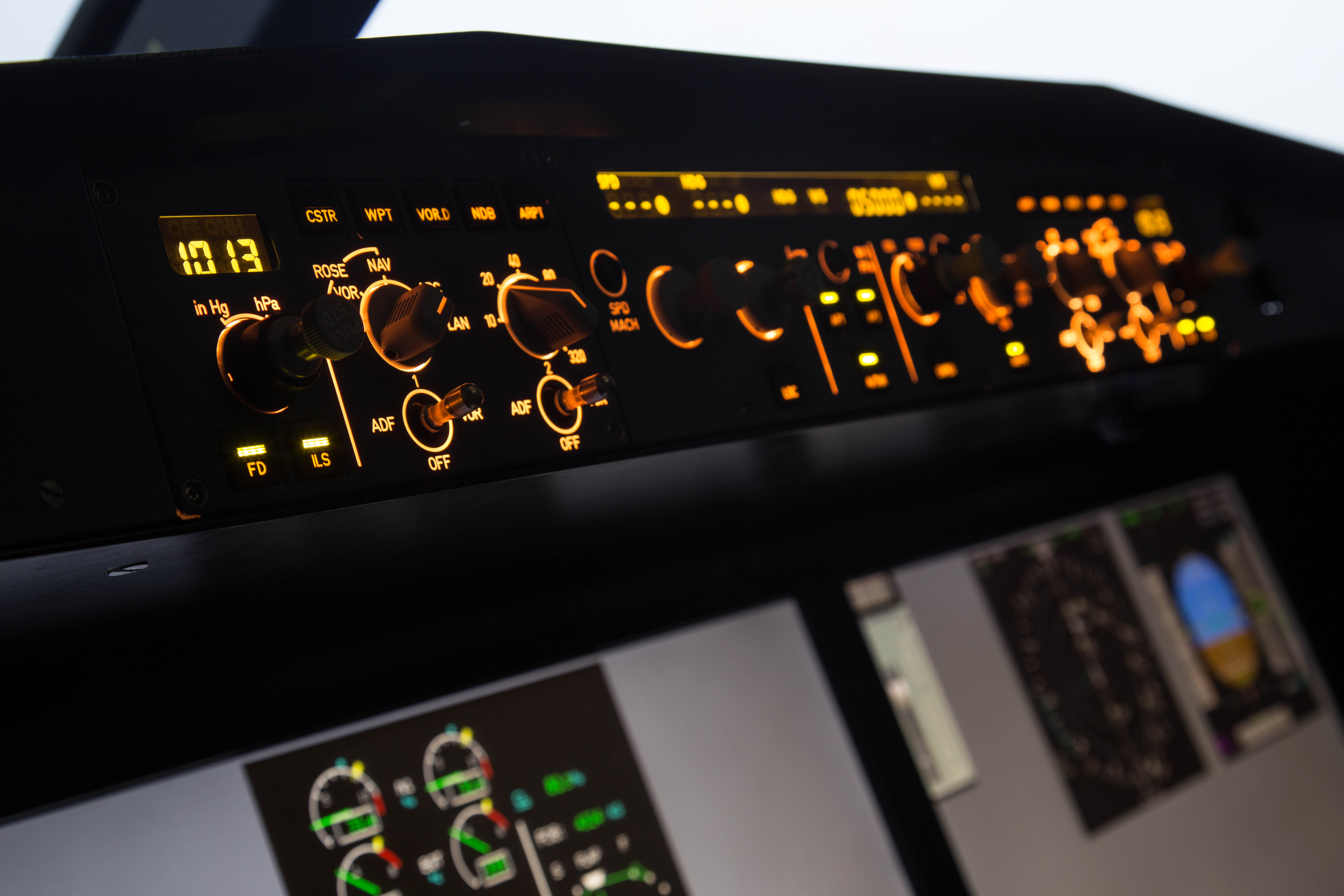 Simulator Detail Flight Systems And Automatic Control